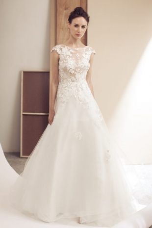 Lusan-Mandongus-2019-Bridal-VALLIE-Wedding-Dress-682x1024