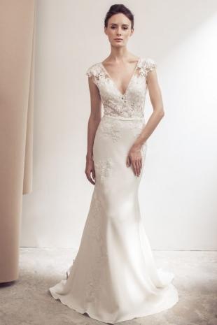 Lusan-Mandongus-2019-Bridal-VERONIQUE-Wedding-Dress-682x1024