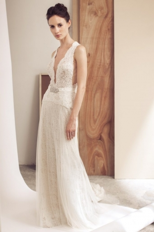 Lusan-Mandongus-2019-Bridal-VESPER-Wedding-Dress-682x1024