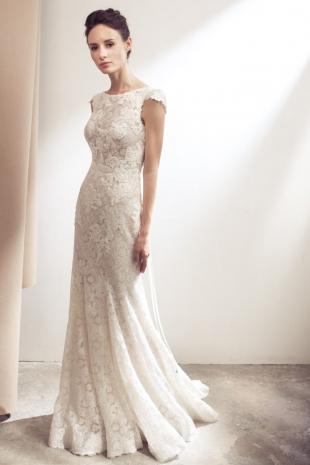 Lusan-Mandongus-2019-Bridal-VIENNA-Wedding-Dress-682x1024
