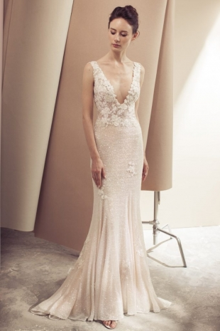 Lusan-Mandongus-2019-Bridal-VONDA-Wedding-Dress-682x1024