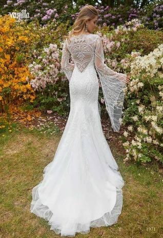 Wedding_dresses_2019_157