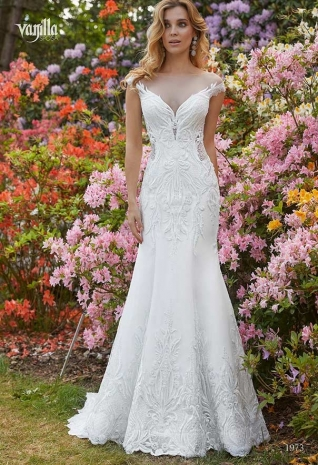 Wedding_dresses_2019_163