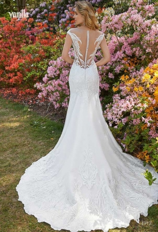 Wedding_dresses_2019_165