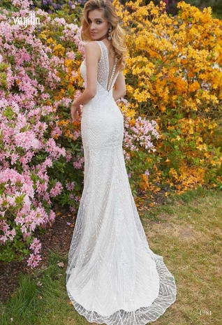 Wedding_dresses_2019_181