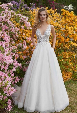 Wedding_dresses_2019_186