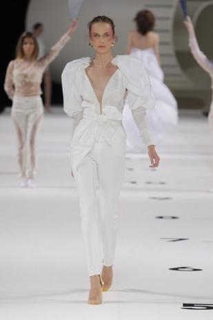 wedding-dresses-new-collection-2019-yolancris-barcelona-bridal-week-2018-24