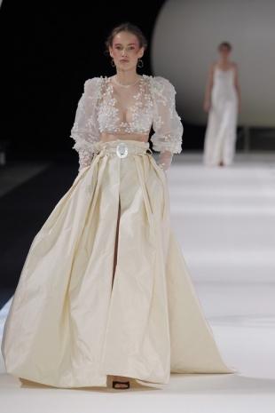 wedding-dresses-wedding-dresses-new-collection-2019-yolancris-barcelona-bridal-week-2018-37