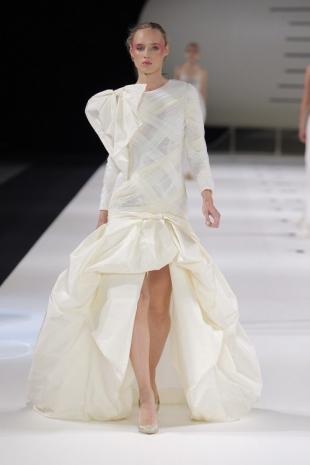 wedding-dresses-wedding-dresses-new-collection-2019-yolancris-barcelona-bridal-week-2018-39