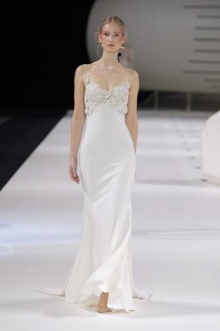 wedding-dresses-wedding-dresses-new-collection-2019-yolancris-barcelona-bridal-week-2018-40