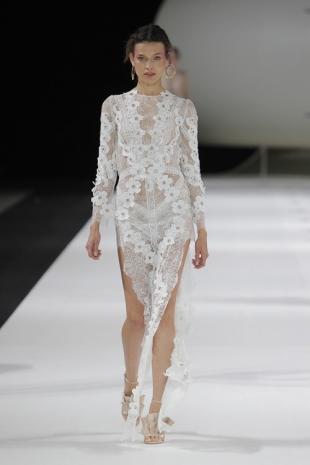 wedding-dresses-wedding-dresses-new-collection-2019-yolancris-barcelona-bridal-week-2018-45
