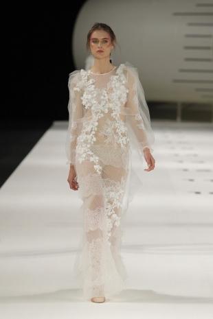 wedding-dresses-wedding-dresses-new-collection-2019-yolancris-barcelona-bridal-week-2018-53